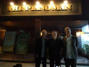 pianoman_01-tripleace